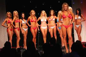 http://www.zimbio.com/pictures/UzmyNq23YbO/Miss+Universe+Australia+Crowned+Sydney/jsh1jZZeL7I