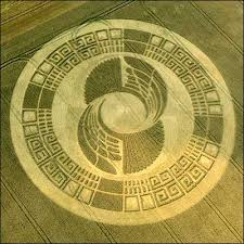 http://psychedelicadventure.blogspot.com/2009/07/2012-crop-circles-mayan-connection.html
